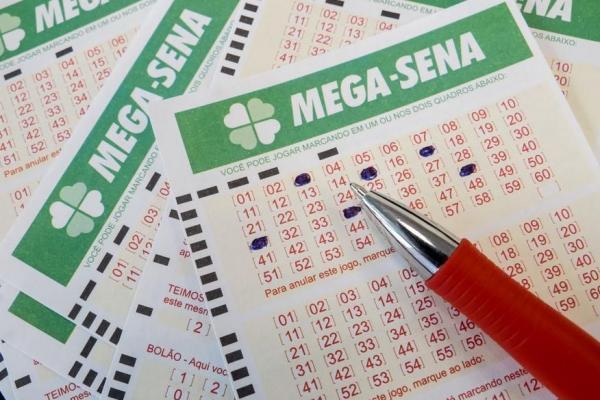 Ninguém acerta as seis dezenas e Mega Sena acumula em R$ 27 milhões