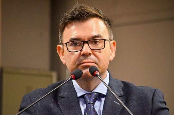 'Eu vejo a CPI como um complemento', afirma líder da oposição Raniery Paulino