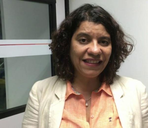 Deputada Estela sofre acidente de carro e é socorrida pelo SAMU