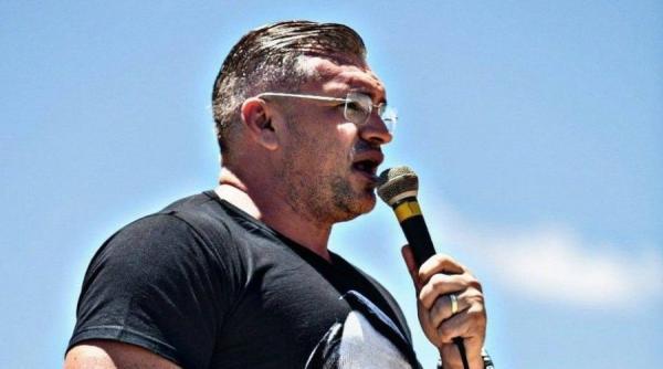 """Julian classifica nomeação de Benjamim como """"esdrúxula"""""""