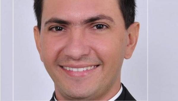 Novo padre da Igreja Matriz de Sousa assumirá dia 22 de março
