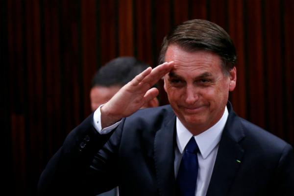 """Bolsonaro passa por avaliação médica e está em """"excelentes condições"""""""