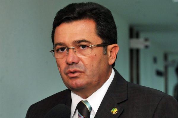 Empreiteira OAS delata Vitalzinho e mais 20 políticos por propina e caixa dois de R$ 125 milhões