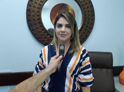 Ex-diretora geral do Hospital Regional de Sousa, Apoliana Ferreira de Araújo. (Foto: Reprodução).
