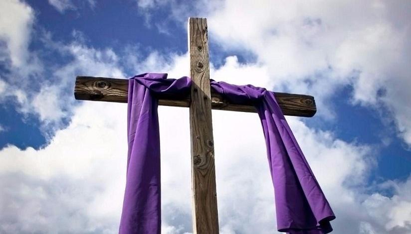 As nossas cruzes são pequenas demais para os sofrimentos que Jesus Cristo passou na quando carregou sua cruz.