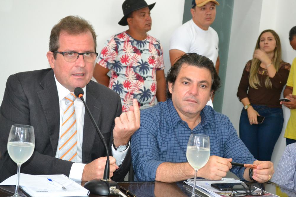 Prefeito de Sousa Fábio Tyrone anuncia suspenção do São João. (Foto: Reprodução).