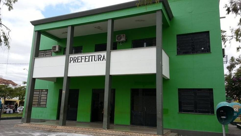 Apropriação indevida: servidores denunciam prefeitura de Cajazeiras por não repassar dinheiro de empréstimos