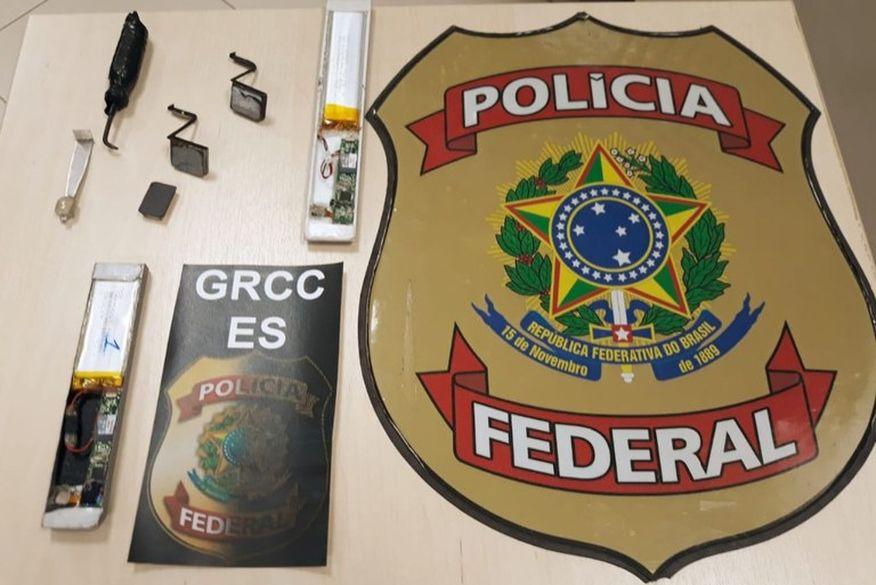 PF prendeu dois homens suspeitos de fraudar benefício do auxílio emergencial (Foto: Reprodução).