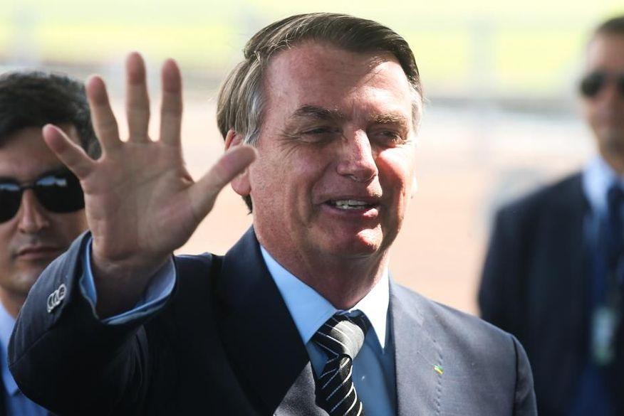 Bolsonaro confirma que Trump vai enviar 2 milhões de comprimidos de hidroxicloroquina para o Brasil