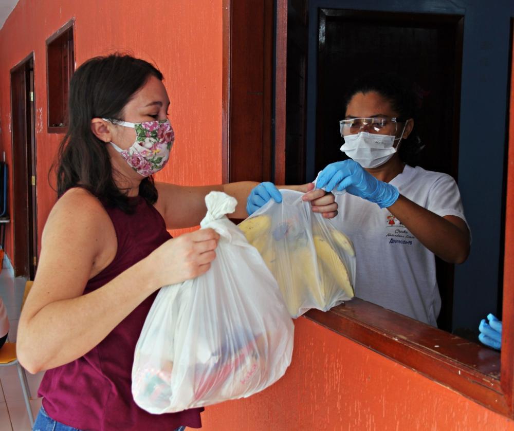 Secretaria de Educação do município de Aparecida realiza entrega de kits da merenda escolar