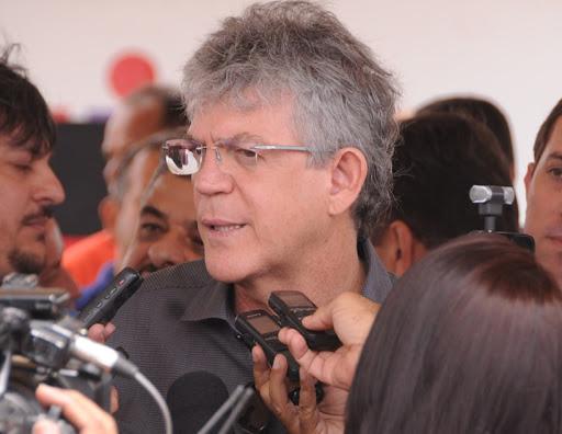 O ex-governador Ricardo Coutinho é acusado de chefiar um esquema de desvios de R$ 134,2 milhões. (Foto: Reprodução).