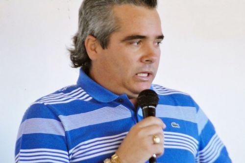 Ex-prefeito lidera enquete na corrida pela prefeitura de Lastro. (Foto: Reprodução).