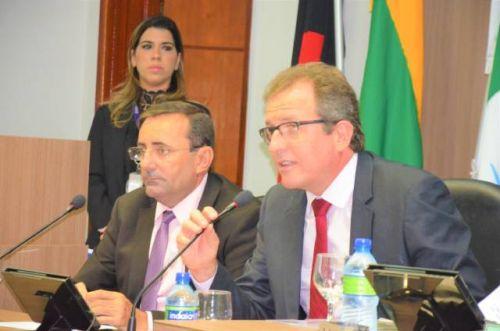 Antes de conceder reajuste nos salários dos agentes políticos, Prefeitura e Câmara de Sousa congelaram os salários dos servidores até 2021