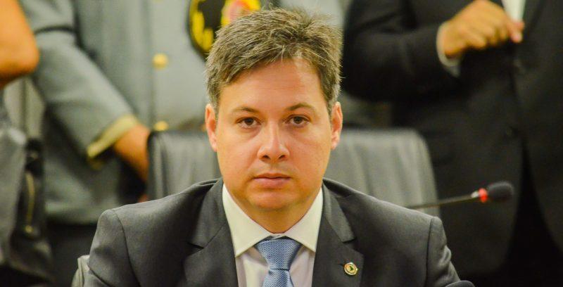 Júnior Araújo acusa Zé Aldemir de superfaturamento em locação de carros e avisa que vai denunciar o gestor no GAECO pessoalmente