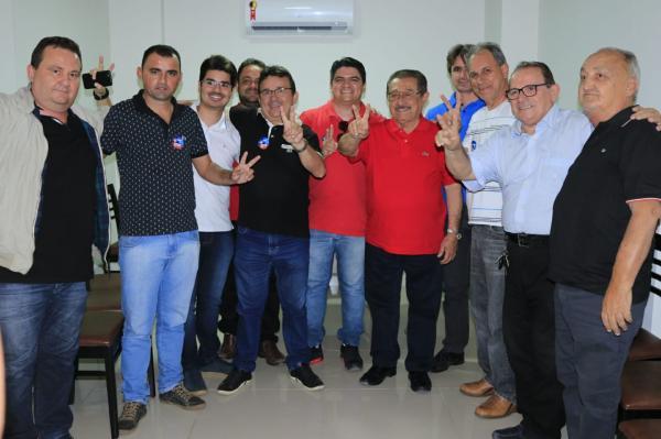 Lideranças anunciam apoio a Zé Maranhão no sertão. (Foto: Assessoria).