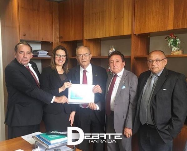 Marcondes Gadelha garante apoio para construção do Hospital Universitário do Sertão