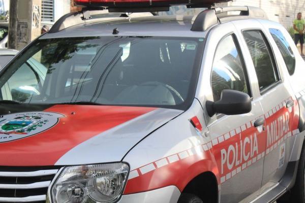 Assaltantes armados roubam moto e celular de homem no bairro da Estação em Sousa