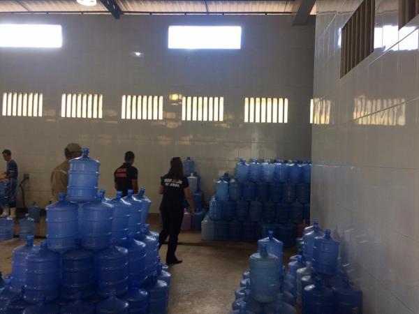 Operação Poseidon' fecha fábricas de água mineral em Sousa, Cajazeiras e mais cinco cidades